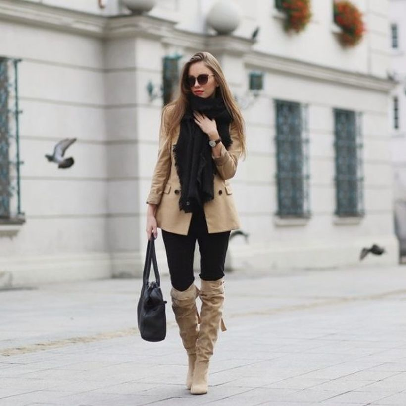 Beige-blazer-and-tall-boot.-