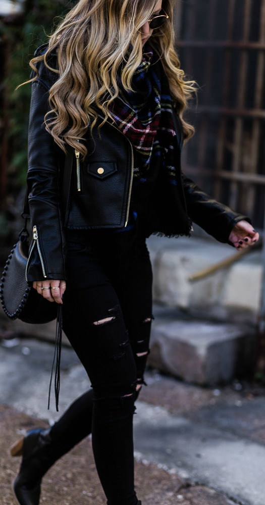 #fall #outfits / All Black - Plaid Scarf