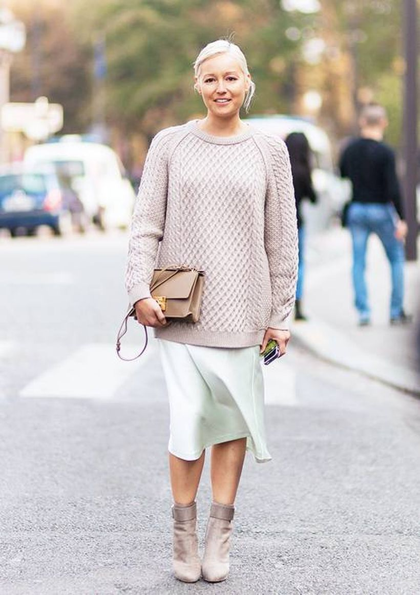 Grey-knit-sweater-and-soft-pink-skirt