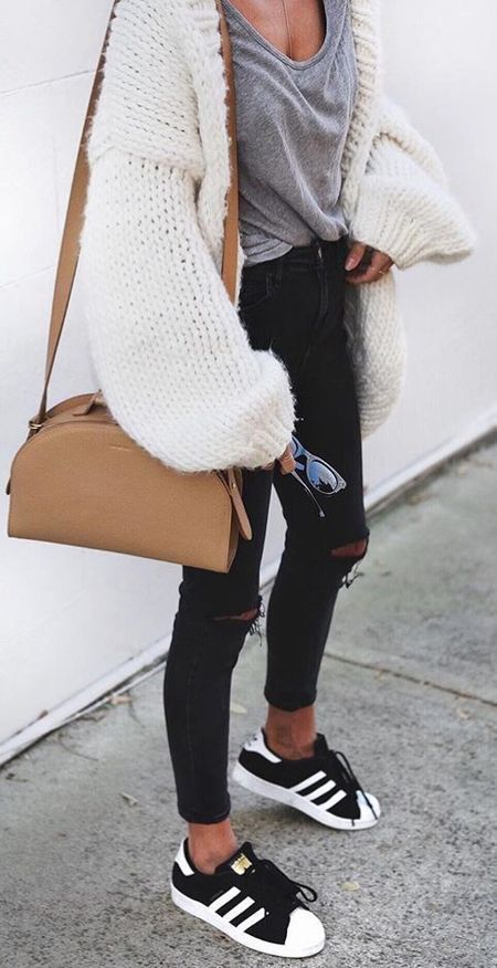 #fall #outfits / Over Size Knitted Cardigan - Black Skinny Jeans