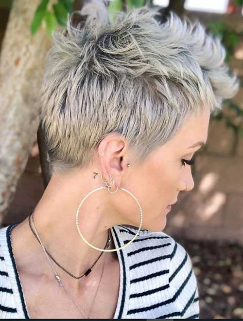 Modern Choppy Short Haircuts for Women-15