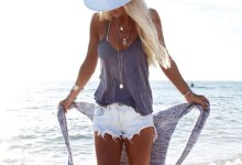 Summer Beach Outfits Ideas For Women