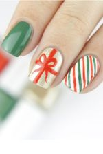 23 Extraordinary Nail Art Ideas for Your Joyful Christmas Vibes