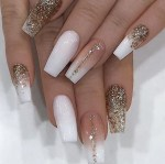 24 Great Winter Gold Glitter Nail Arts for Career Women