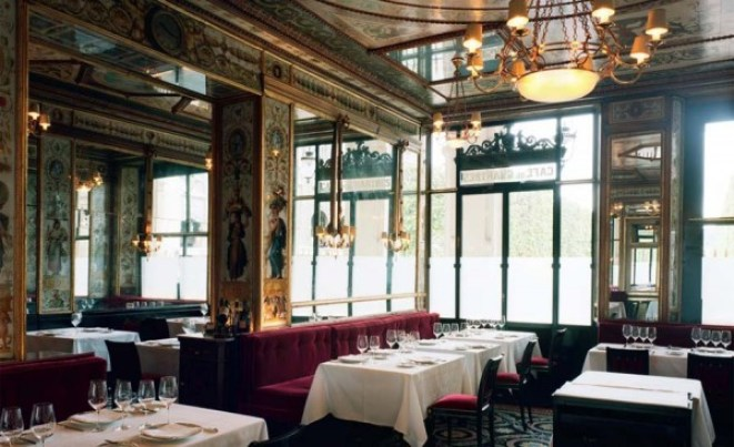 Restaurant Le Grand-Vefour Paris in fotoserie Top Table in Port Magazine, issue 6