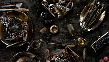Charred - uit de serie Meals Interrupted van Davide Luciano