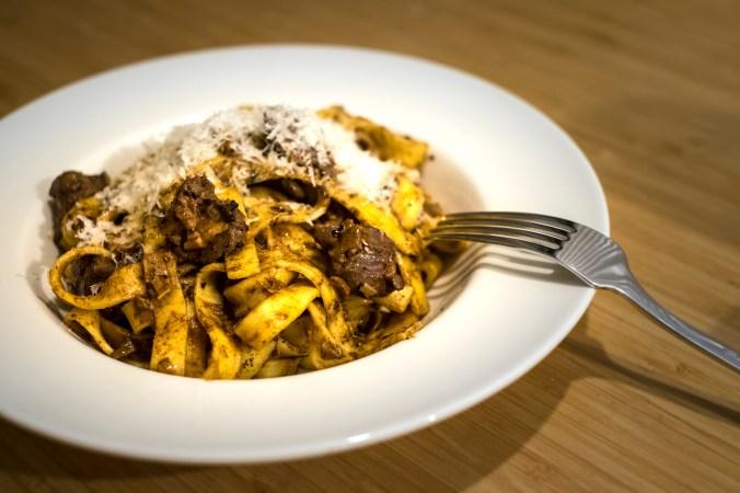 Pasta met lever en eekhoorntjesbrood van Antonio Carluccio