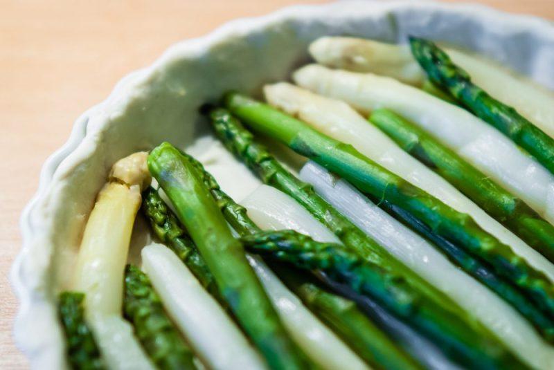 Quiche met asperges en gerookte zalm