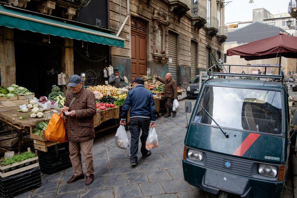 Markt in de straten van Catania