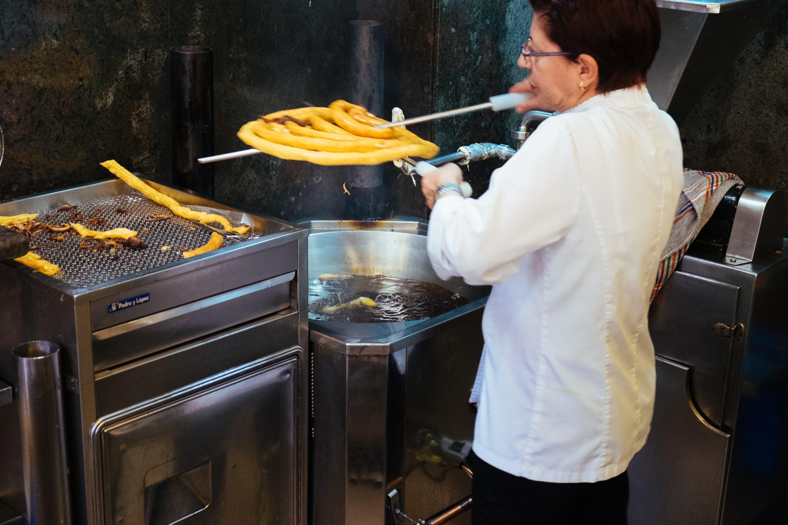 Granada: ontbijt met churros in Grand Café Bib Rambla - andalucië