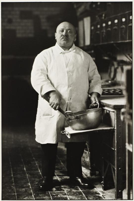 August Sander: pastrycook 1928