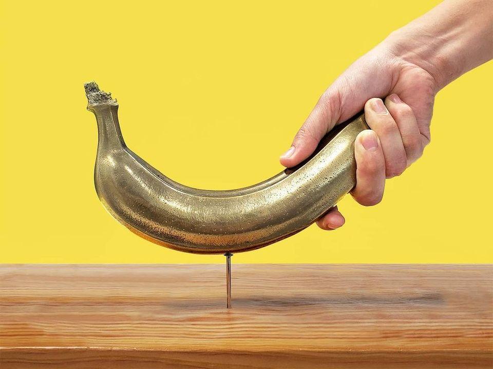 【衝撃】バナナをトンカチにした画期的な工具発売決定「バナナで釘が打てます」