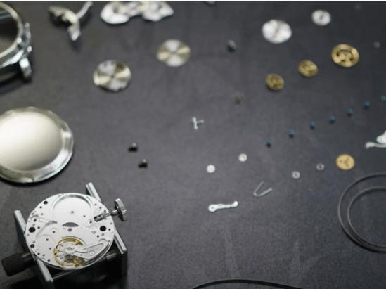 【YouTube動画紹介】No.0002【後編】機械式腕時計の分解(PANERAI / ETA6497)