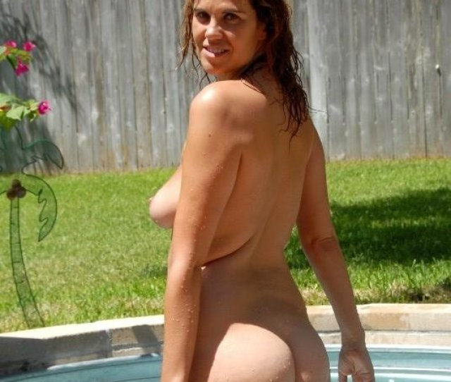 Kayla Naked Outdoors
