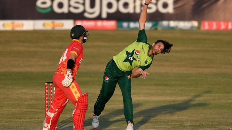 Usman Qadir 3 wickets-Zimbabwe