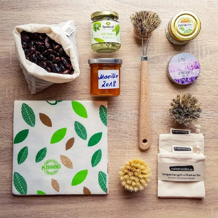 Zero waste beauty and kitchen products.