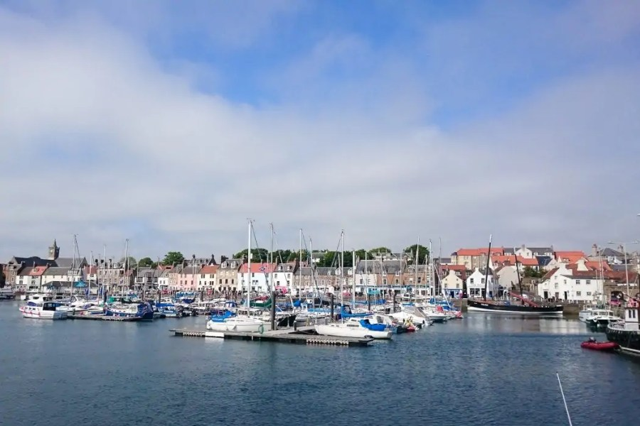 The charming fishing village of Anstruther lies at the East Neuk of Fife and serves up some of the best fish & chips of the country!