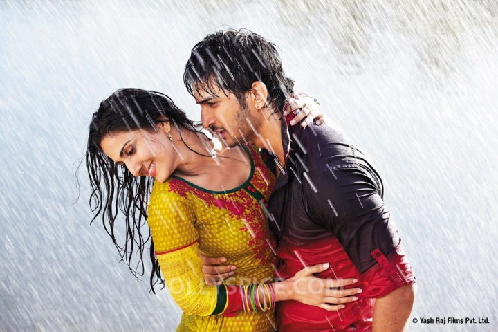 Shuddh Desi Romance (2013) Full Movie Watch Online HD Download