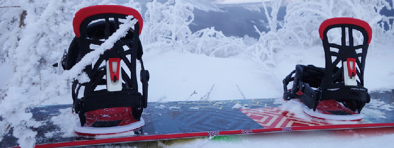 How do Rear Entry Snowboard Bindings work?