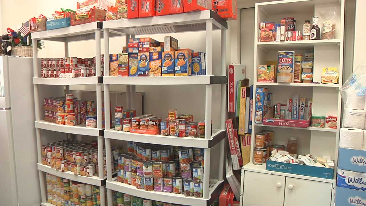 blount-food-pantry3_136755