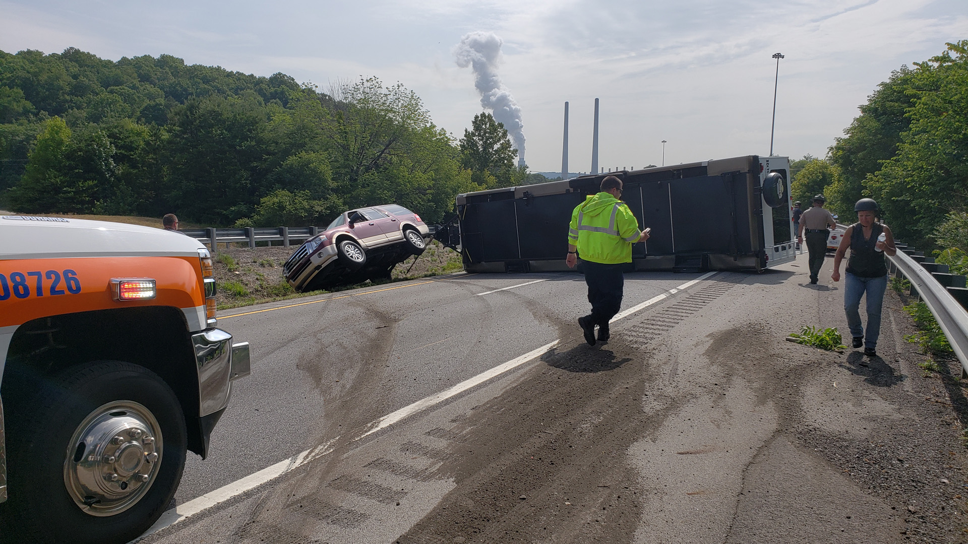 I-40 East in Roane County reopens after RV crash