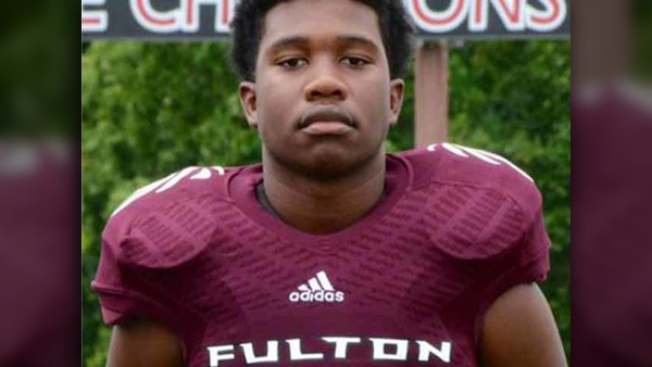 ZAEVION DOBSON_courtesy Fulton High School_1545085777153.jpg.jpg