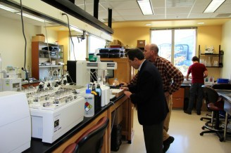 Dr. Schoenholtz working with Dave Mitchum after the visit