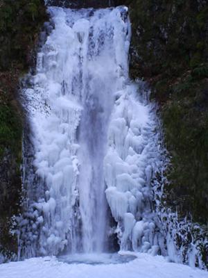 Free Multnoma Falls Winter Wallpaper Multnomah Falls Columbia River Gorge Oregon