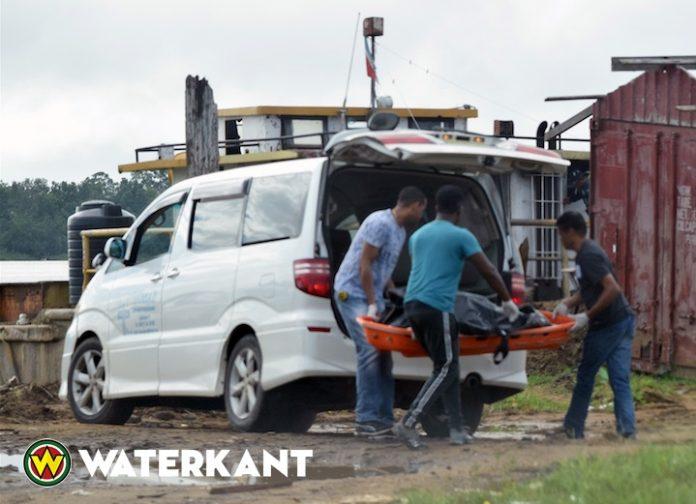 Lijk van man opgevist uit Suriname rivier - Waterkant