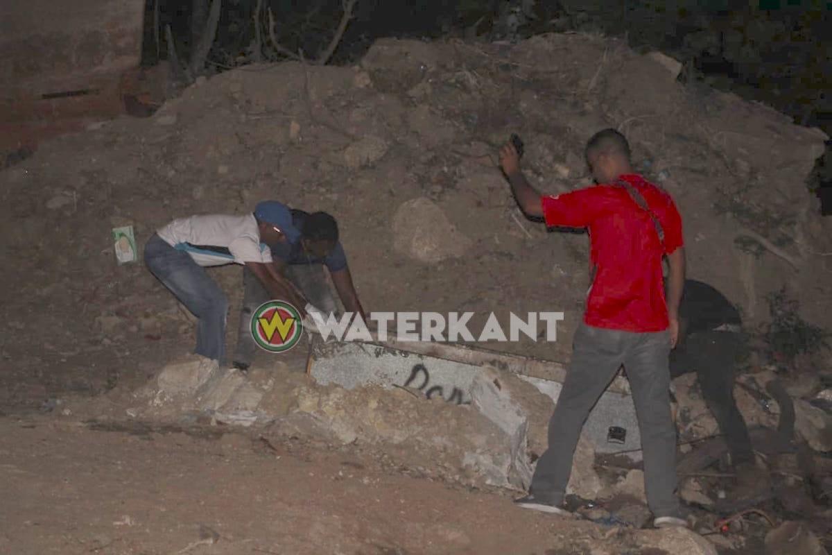 Lijk van jongeman geborgen onder Wijdenboschbrug in Suriname - Waterkant