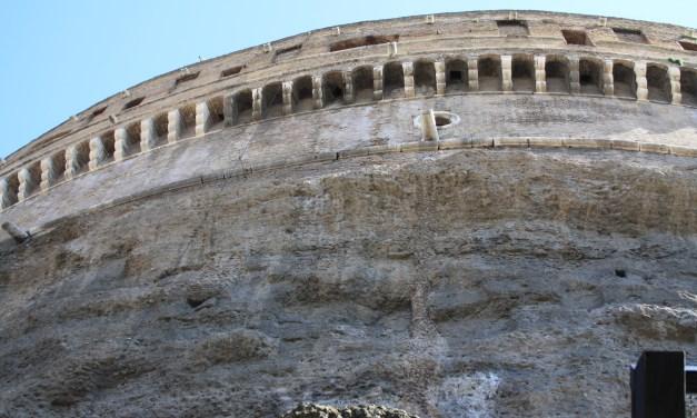 Il mausoleo di Adriano ( Castel Sant'angelo): uno dei luoghi più visitati al mondo
