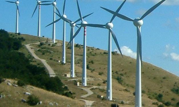 Il vento della criminalità. Il business energetico divora Gorgoglione in Basilicata, come tutto il Sud Italia.