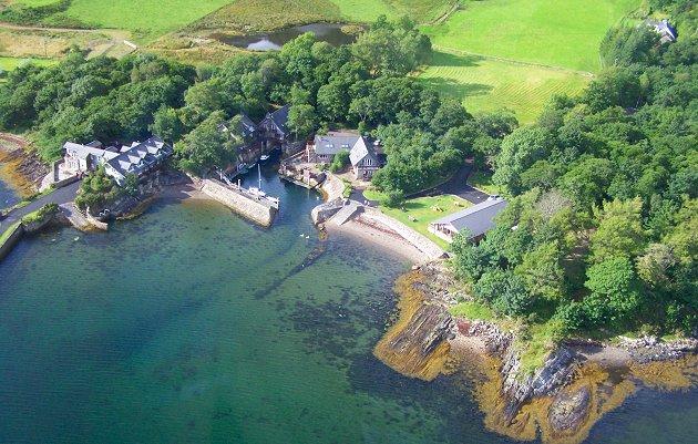 Melfort Harbour Waterside Holiday Cottages  Nr Oban Scotland
