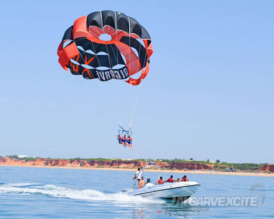 parasailing boat trip vilamoura