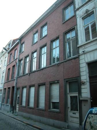Baudelostraat 41-43. Foto: Dirk Boncquet, juni 2003.
