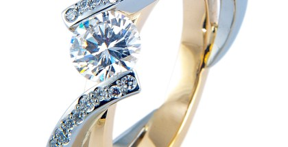 Bicolor ring met diamant, in opdracht gemaakt