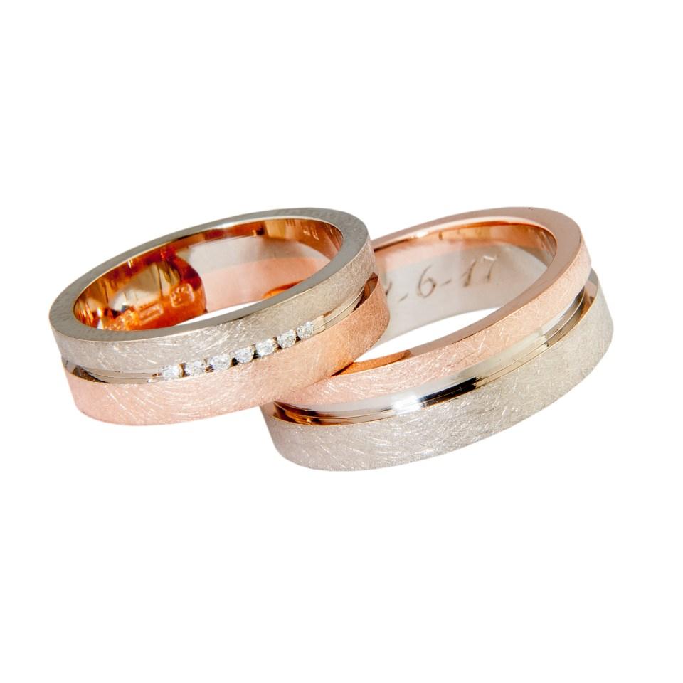 handgemaakte trouwringen in wit- en roodgoud