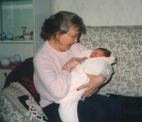 Irene Rook met haar kleindochter Kimberley