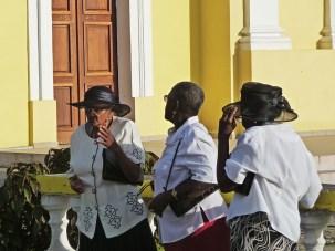 Vor der Kirche in Port-Louis