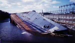 Normandie_capsized_(LIFE)