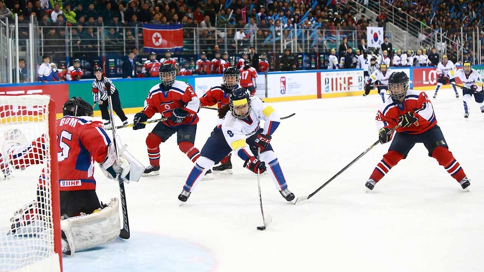 south-korea-north-korea-womens-hockey-33103670184_64c6090777_o1_681240
