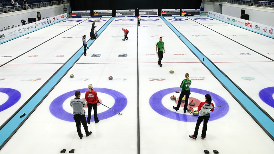 mixed-doubles-curling_gettyimages-873710462_692382