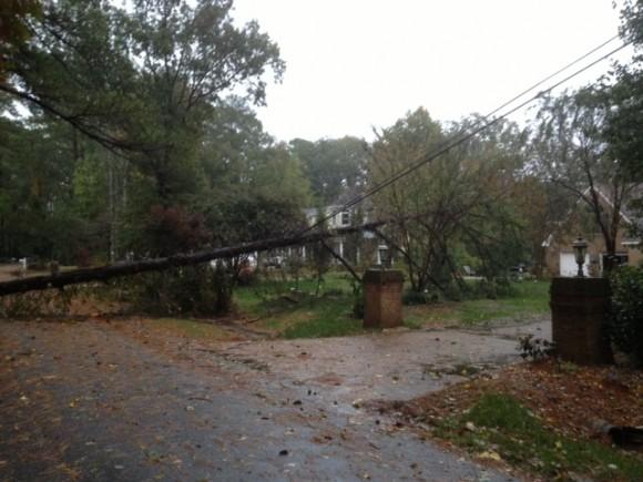 virginia-beach-hurricane-sandy-power-lines_1521745290235.jpg