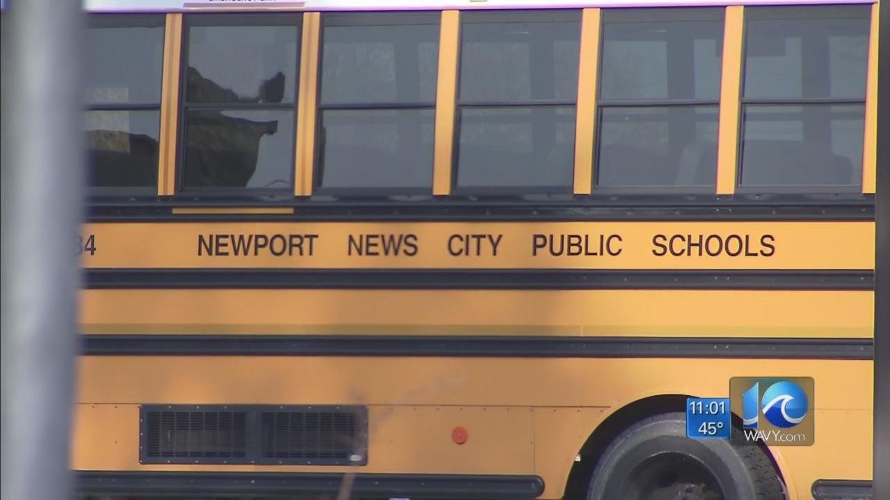 Newport_News_Teachers_looking_for_a_pay__0_20180411035922