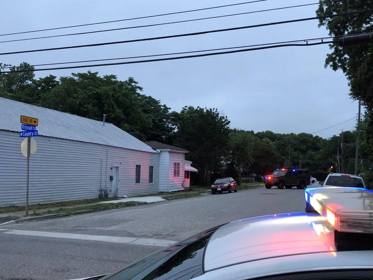 Hampton Police Barricade Situation