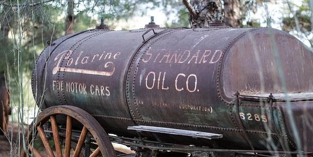 alter Anhänger für Öltransport