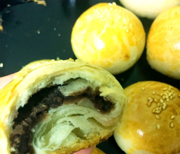 Short Pastry with Red Bean (红豆酥)