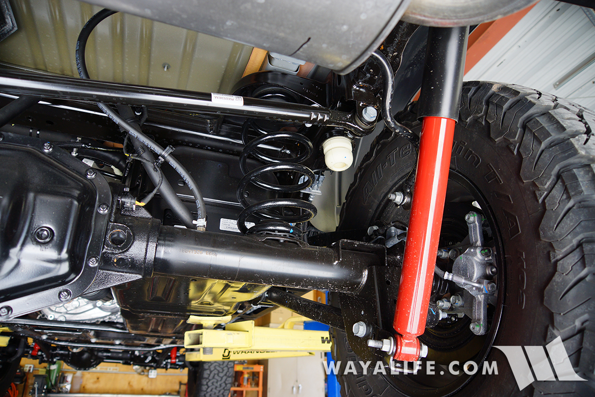 hight resolution of a view looking across the length of the jl wrangler rear track bar as you can see it s bigger beefier and shaped differently than the old jk