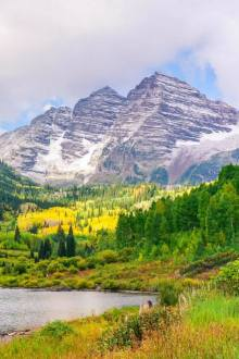 Hiking Maroon Bells in Aspen, Colorado