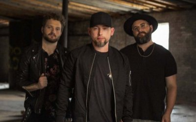 The Artist Spotlight With 'We Are Messengers'
